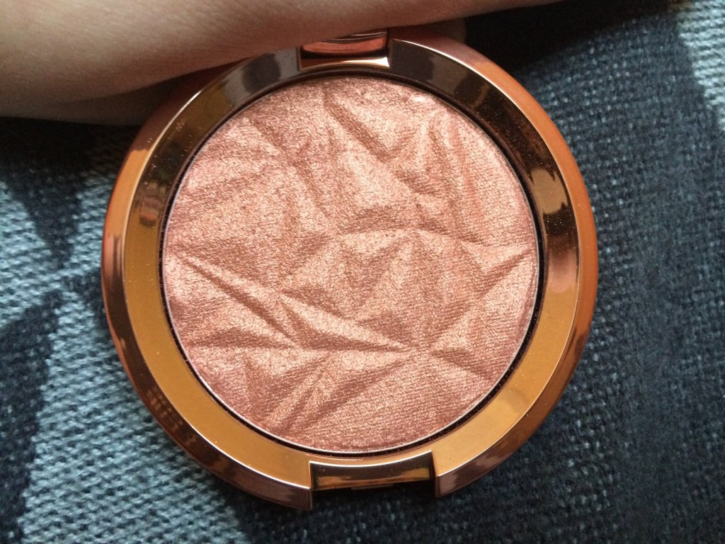 Becca Shimmering Skin Perfector in Blushed Copper