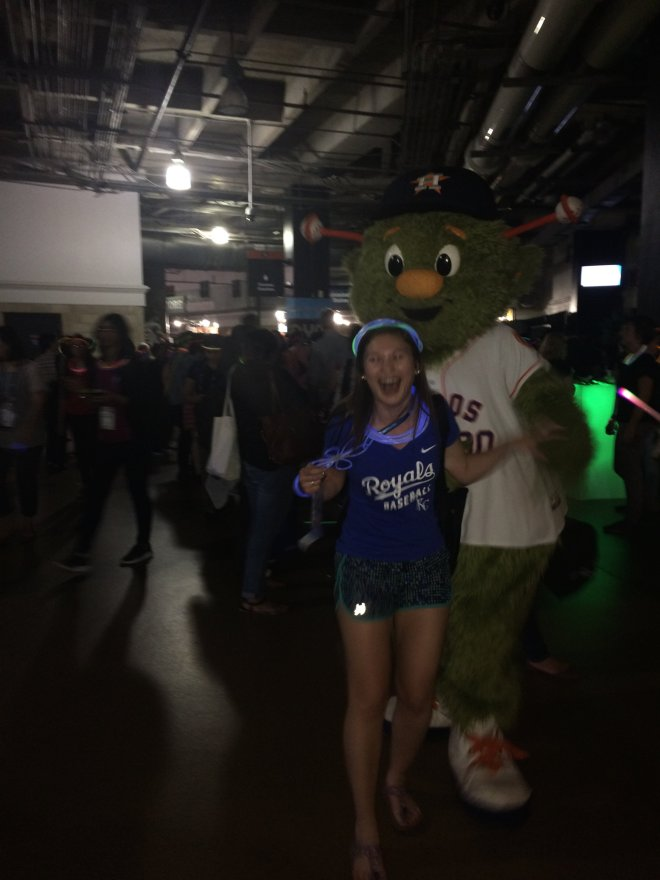 Royals Fan vs. Astros Mascot
