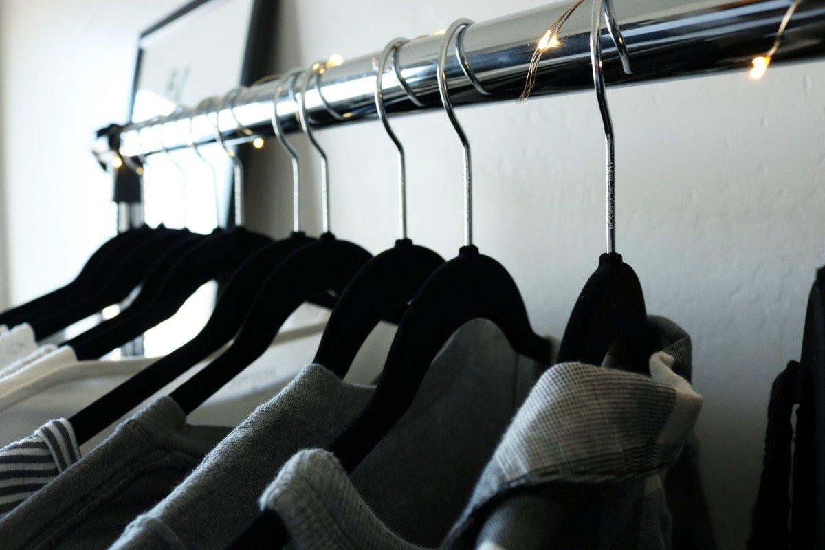 Organized Dorm Space | Small Dorm Room | Hayle Olson | www.hayleolson.com