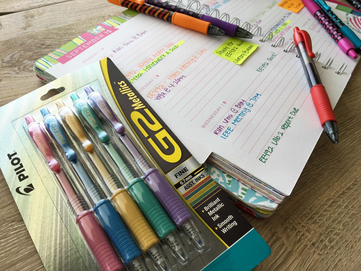 The Perfect Pens for a College Student | hayle santella | www.haylesantella.com