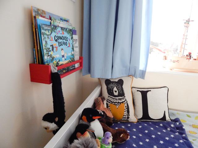 Little Adventurer Boy's Bedroom (7 of 13)