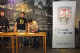 A megállapodás aláírása Nyékvárkonyban