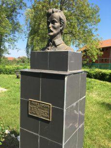 Rév - Petőfi-szobor