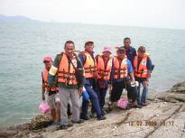 Menunggu bot untuk ke Pulau Agas dari Pulau Tukun Perak.