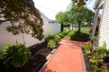 Walkway-Veg Garden - 09