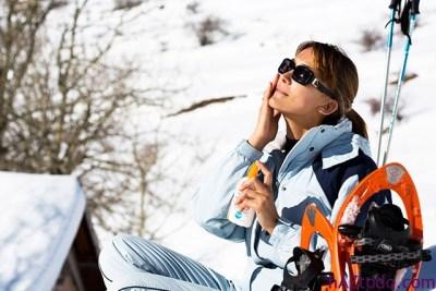 Protegerse del sol en la nieve