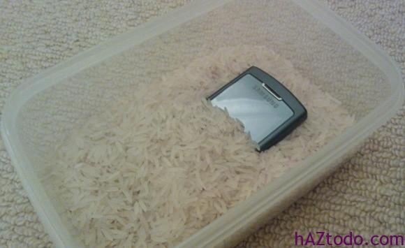 Secar y arreglar un móvil o smartphone mojado