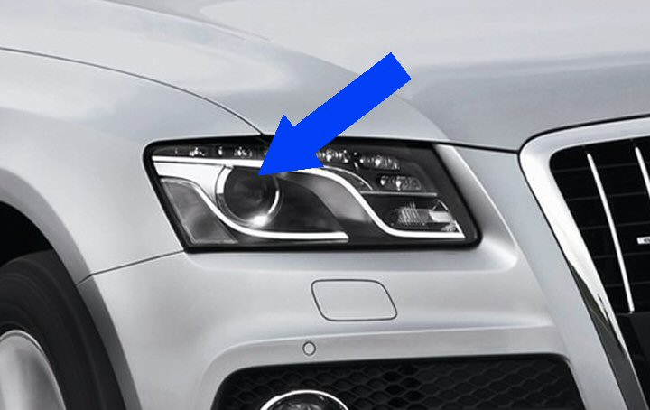 AUDI Q5 8R BI-XENON HEADLIGHTS With LEDs 2009