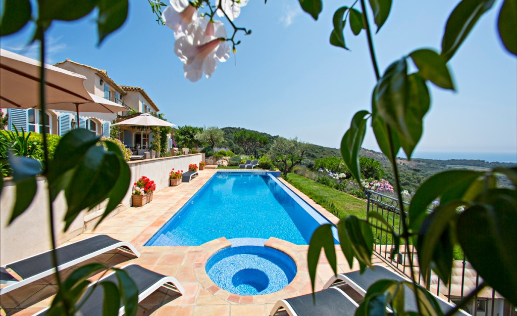 Bruno Malegue Pool view at Ramatuelle luxury villa