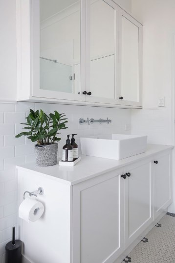Hamptons Bathroom Renovation | Helen Baumann Design