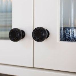 Hamptons Style Kitchen Door Handles | Helen Baumann Design