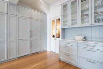 Glass Cabinet Storage | Helen Baumann Design