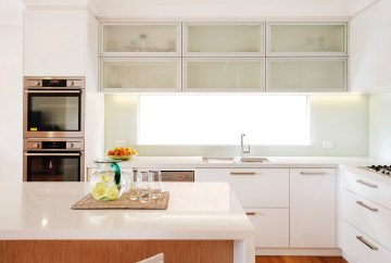 White Contemporary Kitchen | Helen Baumann Design