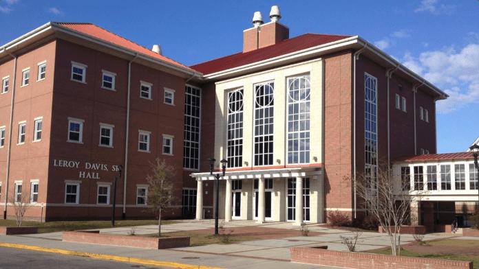 040213-national-hbcu-review-South-Carolina-State-university-campus-leroy-hall.jpg
