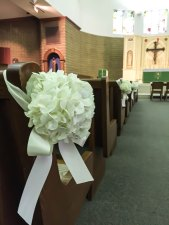 ceremony-white-floral-arrangement-2700