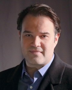Headshot of Actor Erick Betancourt