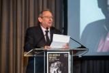 "Alexander Bernstein accepts ""HB Community Leader Award"" at HB Studio's Uta Hagen at 100 Gala"
