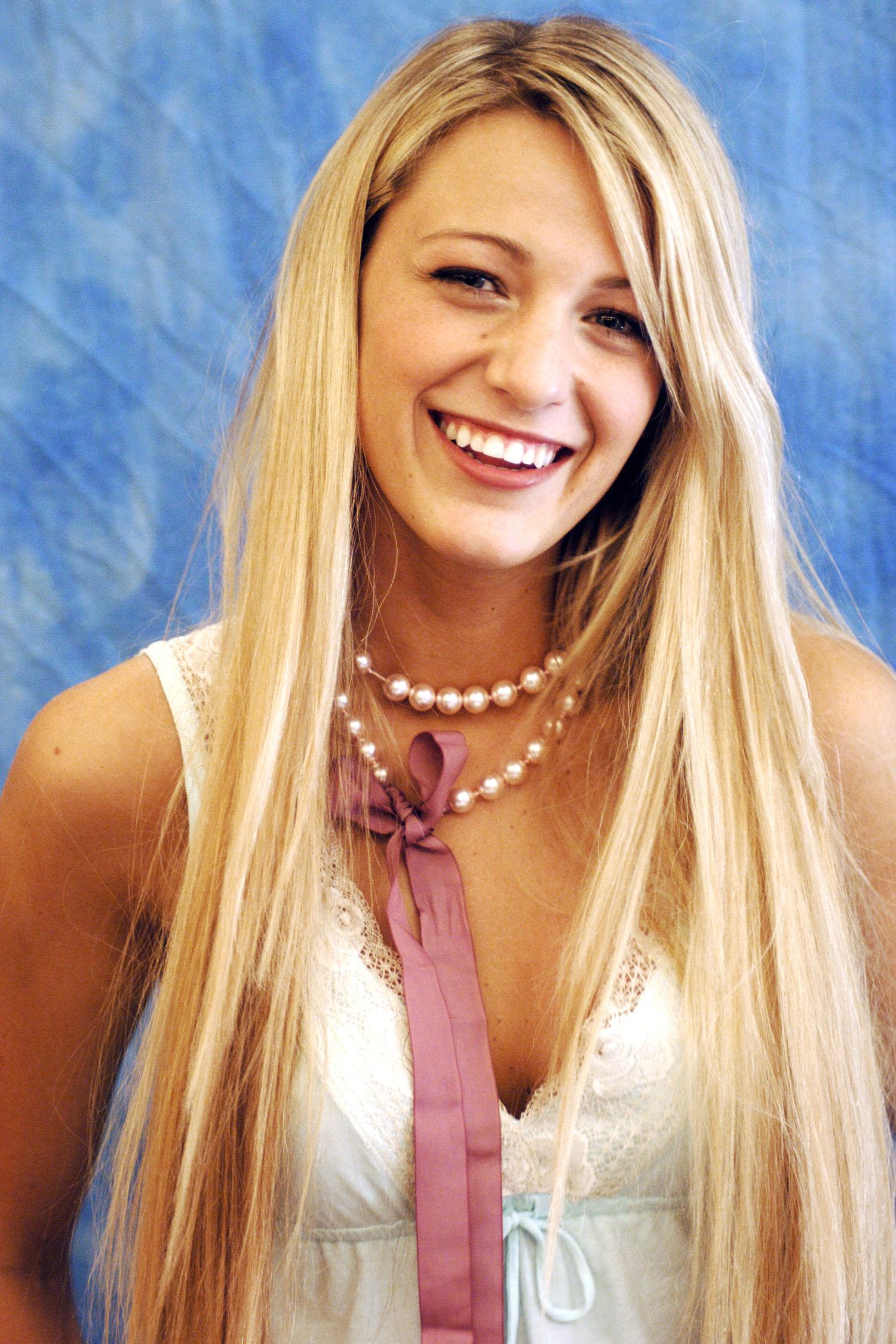 Blake Livelys Beauty Evolution In 36 Looks Blake Livelys