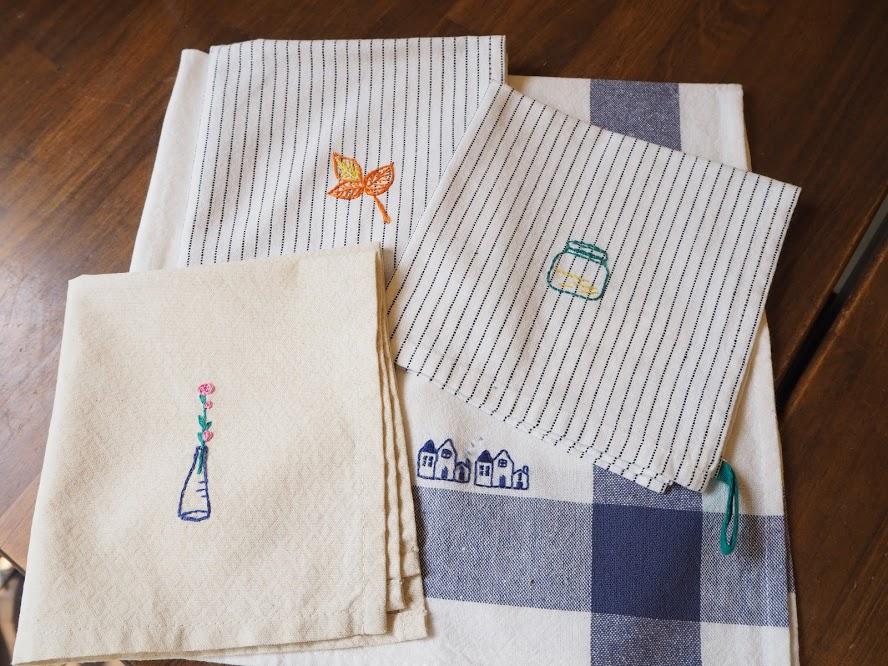 キッチンクロスにワンポイント刺繍