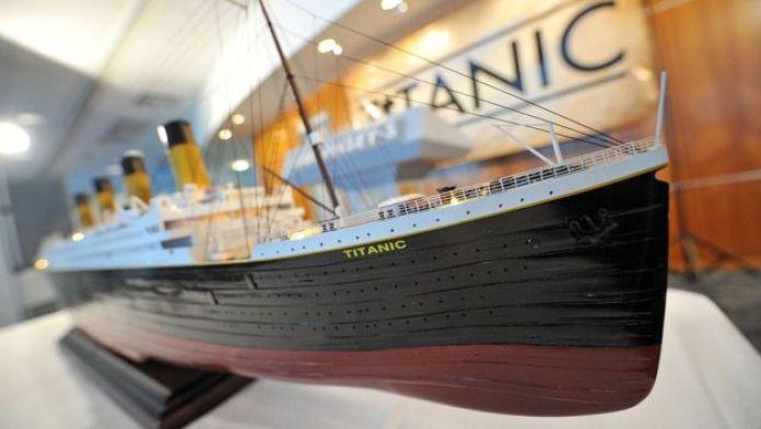 Modelo a escala del Titanic