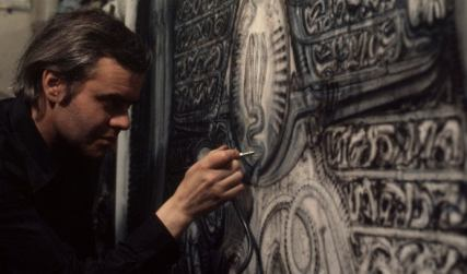 e75c54b_hr_giger_at_work