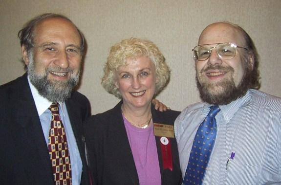 Ben Shneiderman with Trudi Bellardo Hahn and Jim Hendler at the ASIST annual meeting in Washington, DC on November 8, 2001.