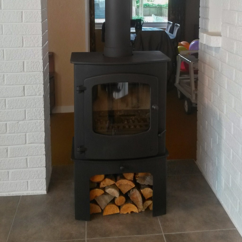 Charmwood Cove one with wood store matt black into stainless steel liner