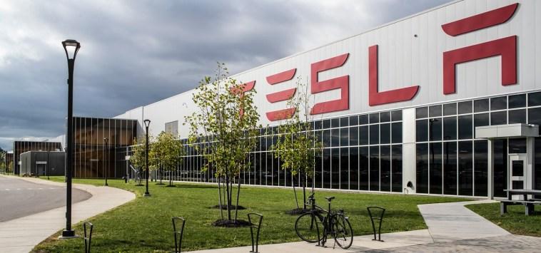 Tesla, maxi accordo per la fornitura di nichel per le sue batterie