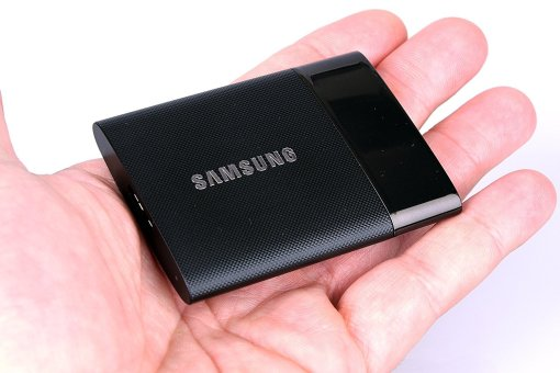 Samsung T1 portable SSD review specs benchmarks, best buy portable ssd, design