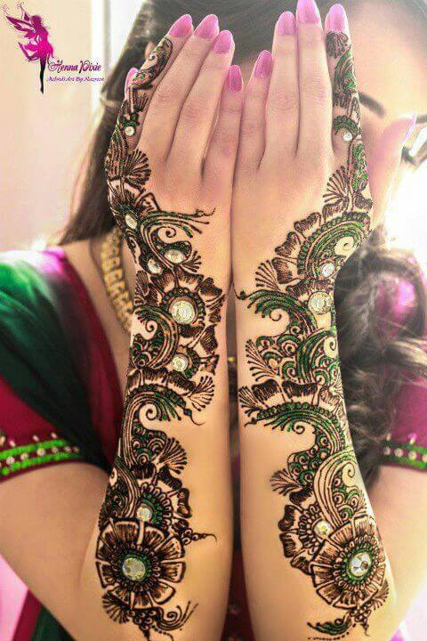Best-Floral-Mehandi-Design Step 1