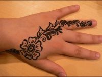 Arabic ferns-and-petals-mehndi-design-for-kids