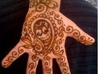 Easy-Mehndi-Designs-For-kids front hand