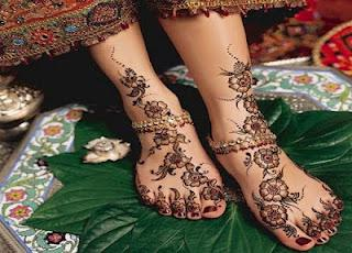 latest collections of 2019 mehndi-designs-for-legs-foot-