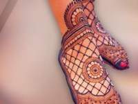 simple flower Arabic henna designs for foot and legs