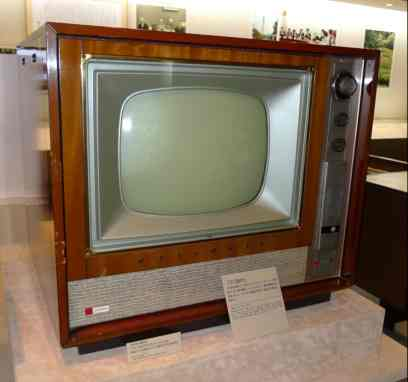 panasonic-1960-first-17-inch-tabletop-color-tv.jpg