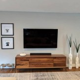 41 DIY TV Gallery Wall Inspirations & How Tos 18