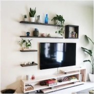 41 DIY TV Gallery Wall Inspirations & How Tos 22