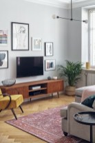 41 DIY TV Gallery Wall Inspirations & How Tos 24