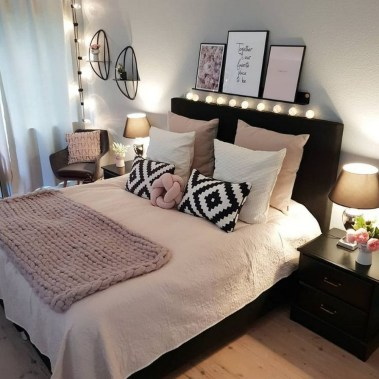 54 Aesthetic Teenage Bedroom Ideas Redecorating On A Budget 25