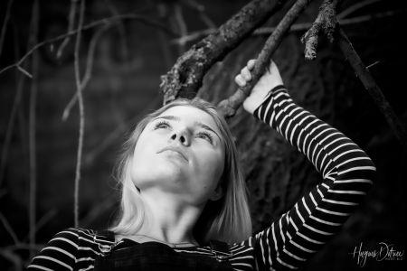 Laurine, en lumière naturelle. © Hugues Dotrice   Hdot.biz   Hdot.me