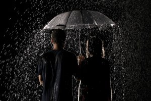 rain_umbrella_couple-other
