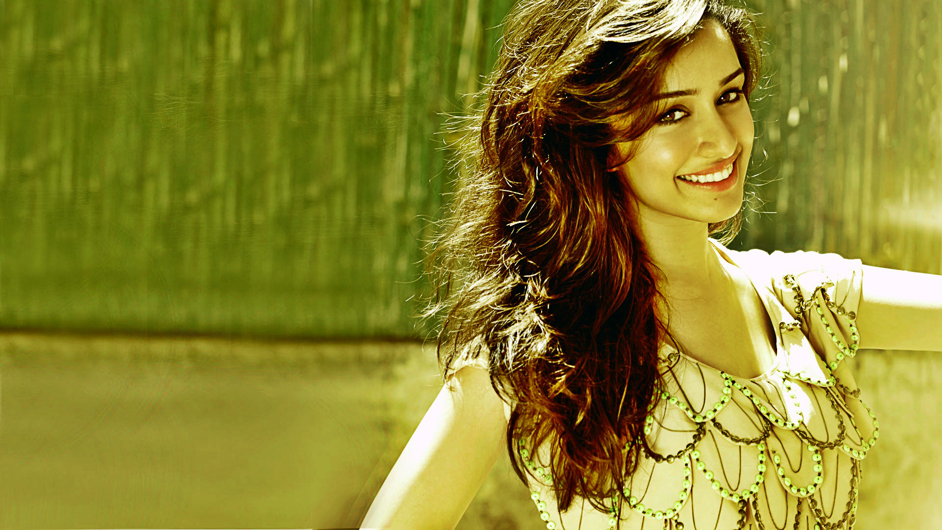 Shraddha Kapoor Beautiful Smiling Wallpapers Hd Wallpapers