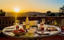 Torre_Nova_Resort_eten_op_balkon_Montserrat