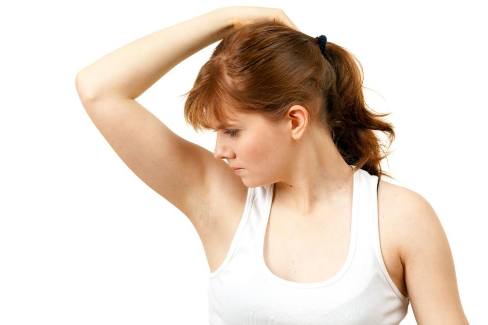 Buďte opatrní: třením podpaží je plná vzhledem nepříjemného zápachu