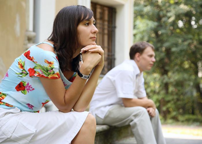 Мужчина боится женщину. Причины, почему это происходит. Как избавиться от страха – советы психолога