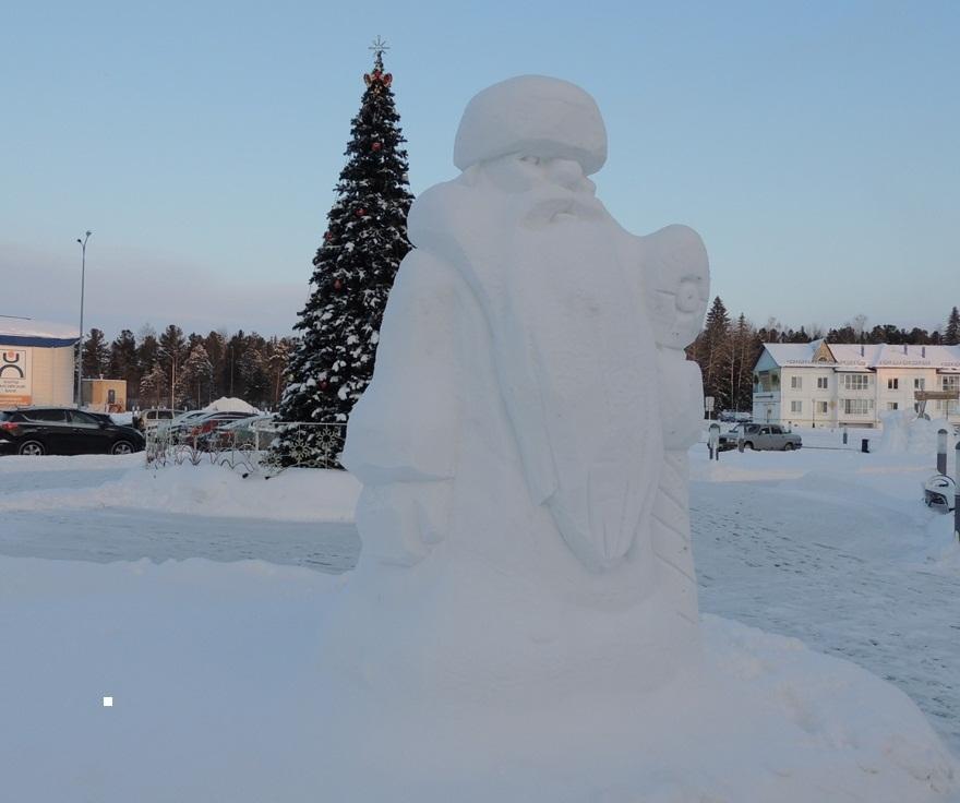 从雪的圣诞老人的成品图的照片,例子4