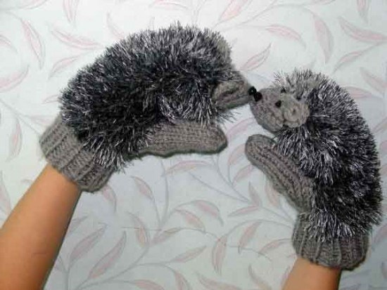 Funny mittens-hedgehogs you get according to the scheme above