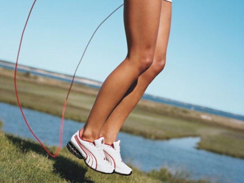Скакалка Для Похудения Как Прыгать Видео. Упражнения со скакалкой для похудения: тренировки для начинающих