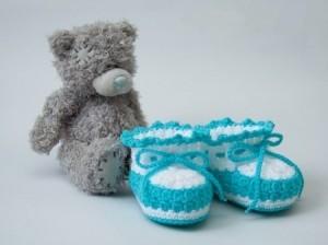 Вяжем пинетки для новорожденных