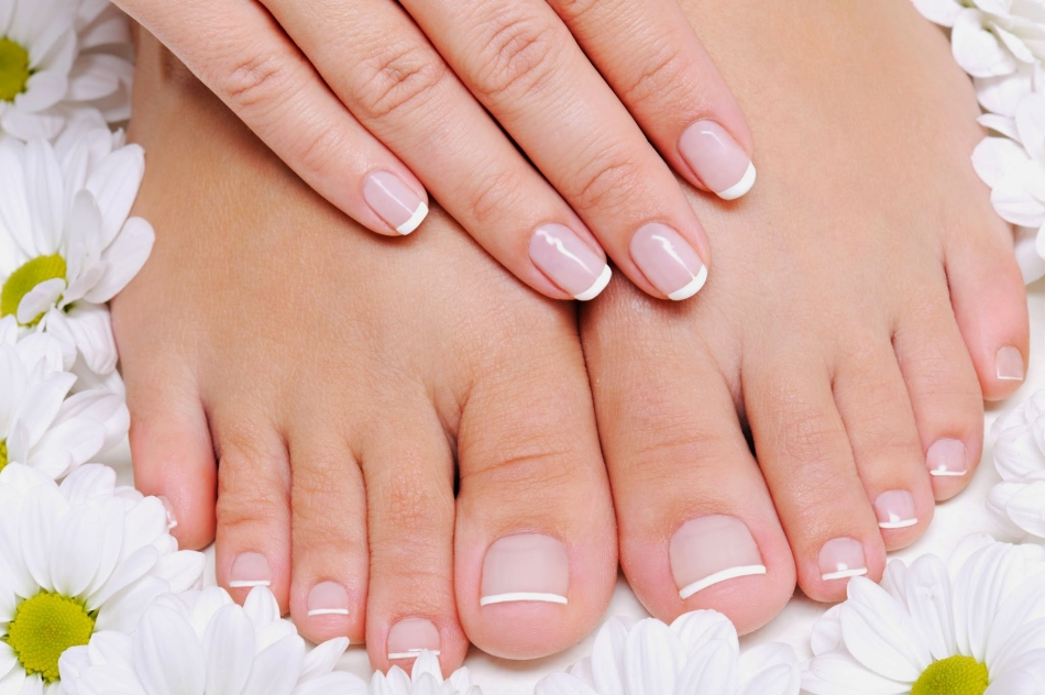 Alivie as unhas nas pernas rapidamente com banhos de parafina